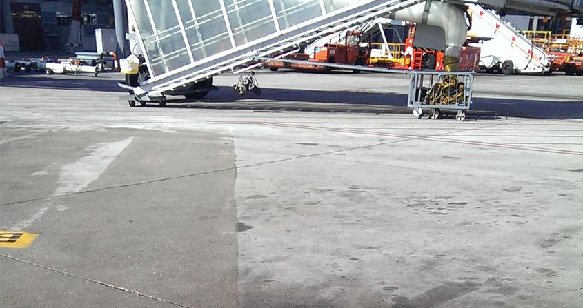 Limpieza-de-puestos-de-estacionamiento-en-plataforma-Roeco-Foto-1